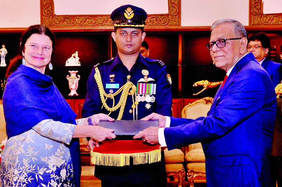 Newly appointed European Union Envoy to Dhaka Mrs. Rensje Teerink presents credentials to President Abdul Hamid at Bangabhaban on Tuesday.