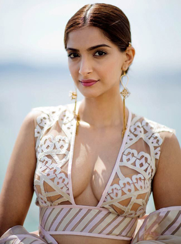 Sonam Kapoor blasts media over fights on Veere Di Wedding sets