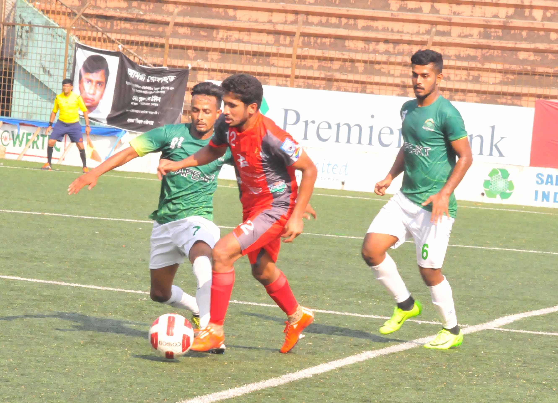 A moment of the Marcel Bangladesh Championship League football match between Bashundhara Kings and Victoria Sporting Club at Bir Shreshtha Shaheed Sepoy Mohammad Mostafa Kamal Stadium in Kamlapur on Monday.Bashundhara Kings won the match by 2-1 goals.