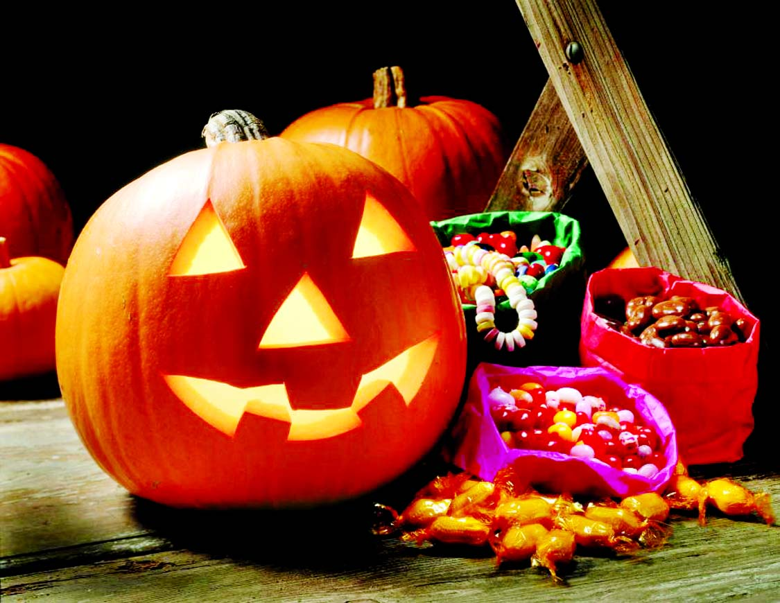 Halloween is shrouded in superstition and mystery, but at the same time it has become an exciting and fun-filled holiday for children in many countries around the world.  It is celebrated on October 31 every year