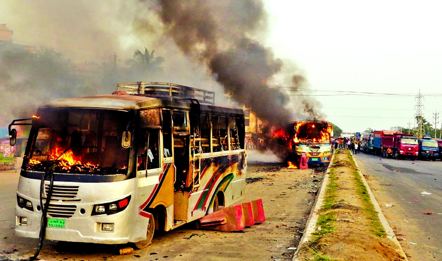Two buses torched in Feni: Petrol bombs hurled: Police pick up six persons
