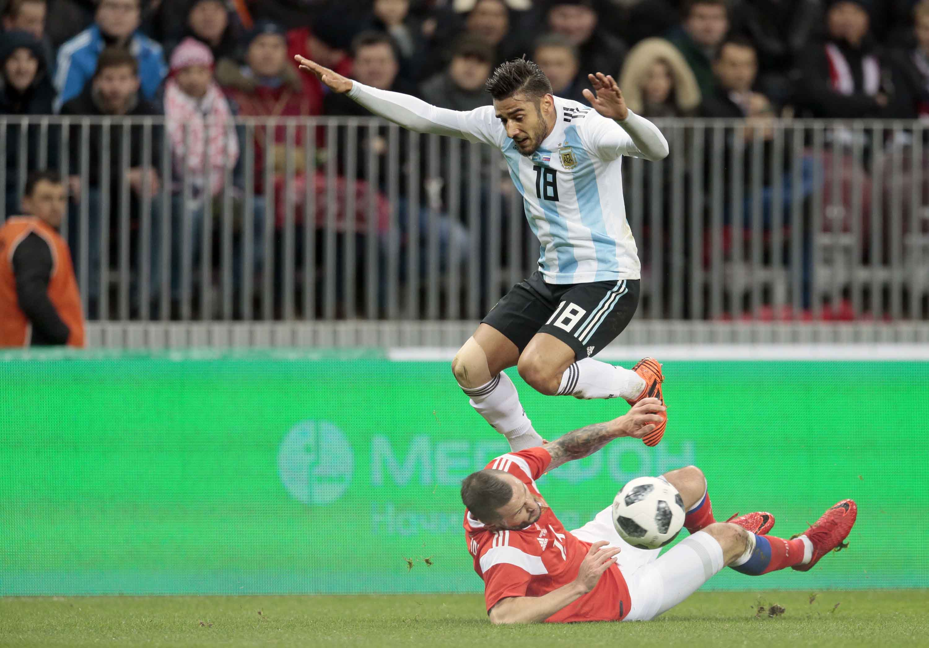 Aguero gives Argentina win over Russia at WCup final stadium