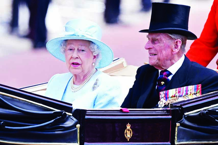 Elizabeth II, Prince Philip celebrate 70 yrs of marriage