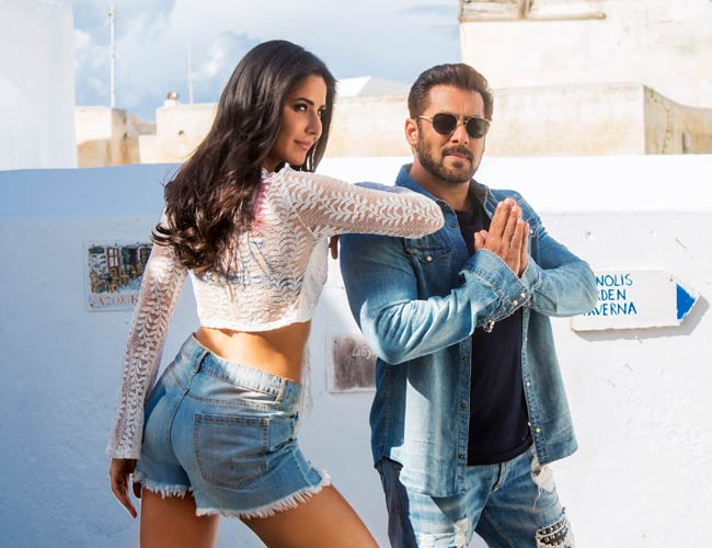 Salman and Katrina are ready for your welcome with swag
