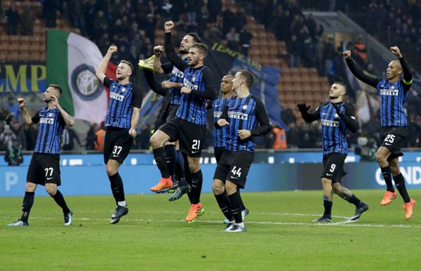 Inter beat Atalanta to move 2nd after Juventus lose