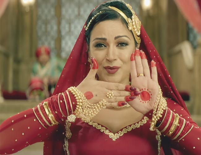 Gulbadan from Firangi brings back the 'Old School Mujra' back