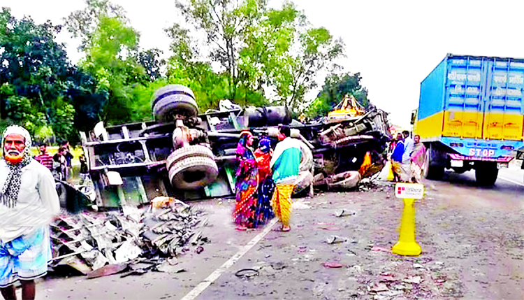 Three passengers were killed and 20 others injured in bus-truck head-on collision at Kalihati Upazila of Tangail on Sunday.