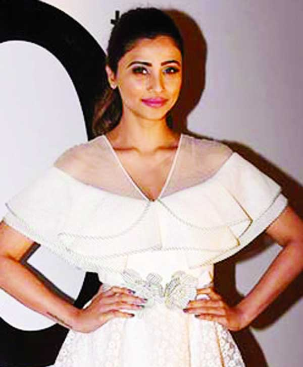 Daisy Shah spells her charm at the Masala Awards 2017