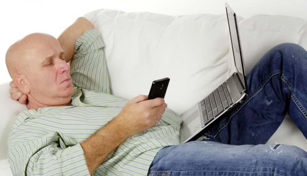 Working on mobile devices from home may affect family life