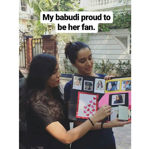 A fan`s handmade token of love leaves Shraddha Kapoor delighted