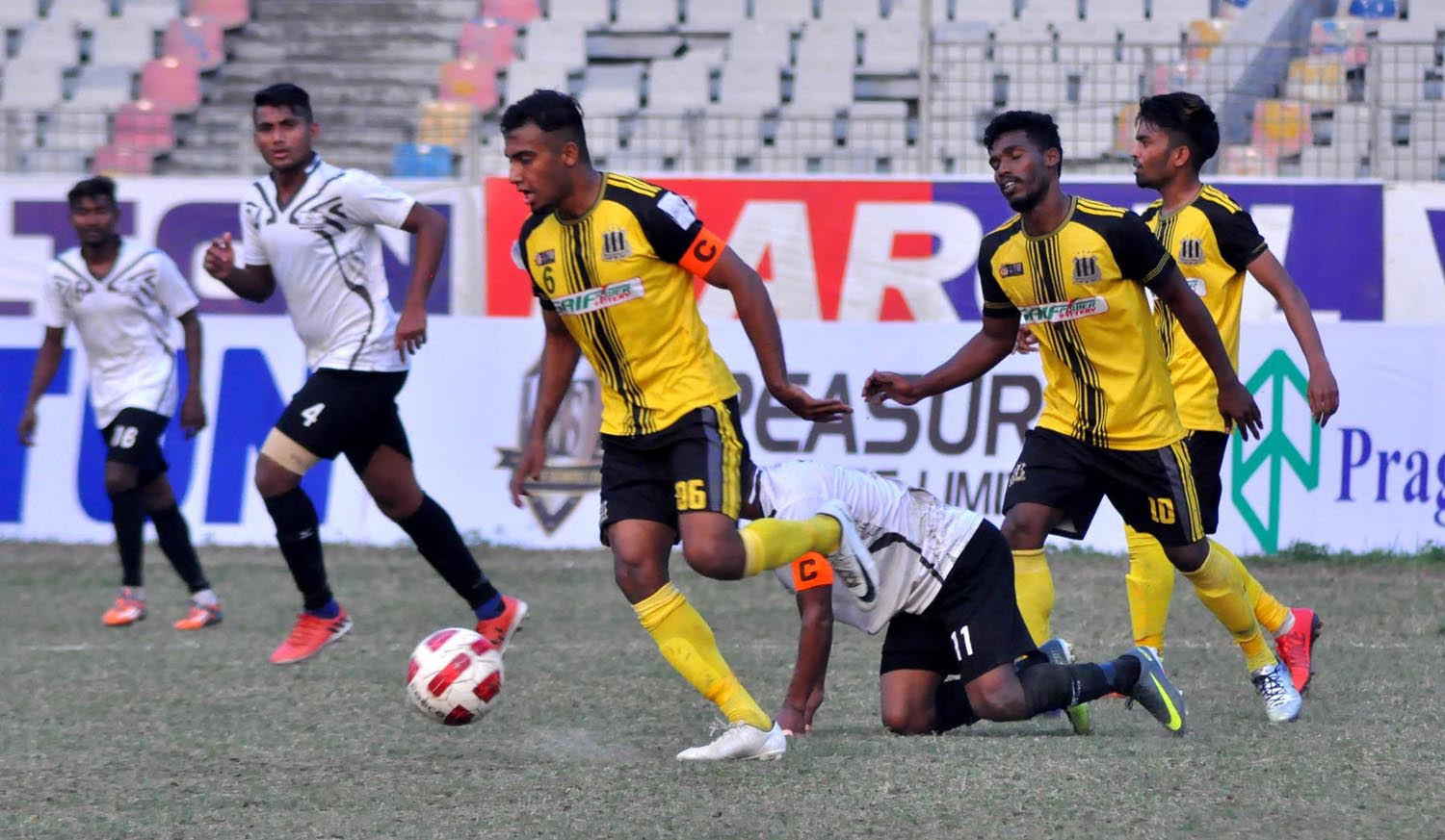Saif SC, Arambagh KS play out goalless draw