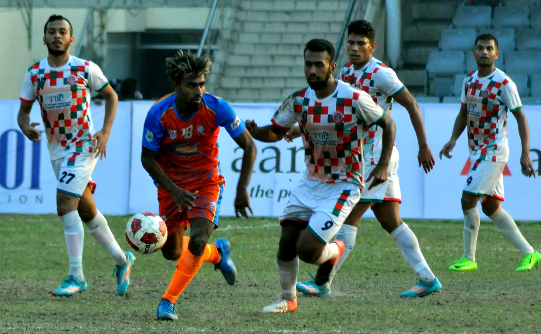 An exciting moment of the match of the Walton Independence Cup Football between Brothers Union Limited and Bangladesh Muktijoddha Sangsad Krira Chakra at the Bangabandhu National Stadium on Saturday. Brothers won the match 1-0.