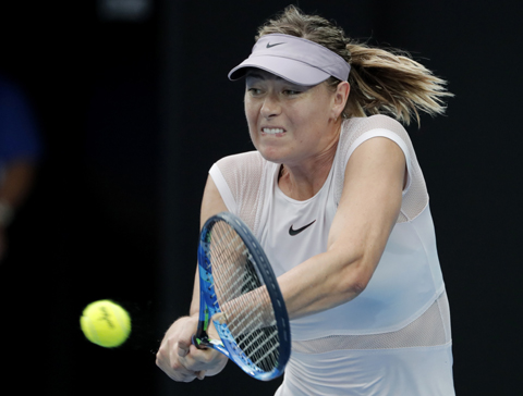Sharapova inspired by Serena to get back to top