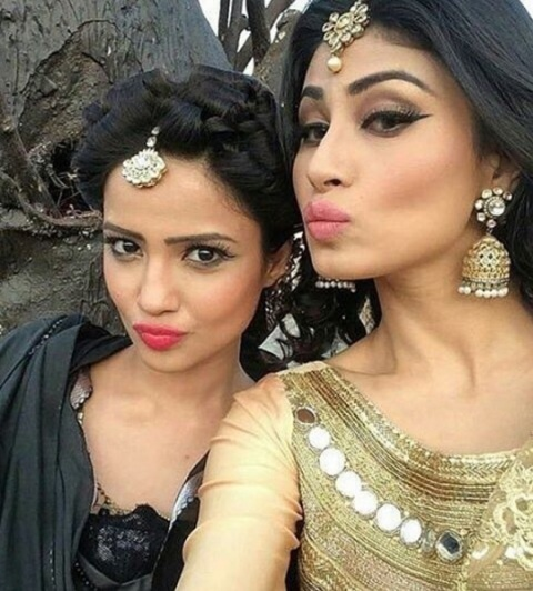 Mouni Roy and Adaa Khan back on the sets of Naagin 3 - The