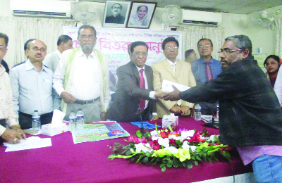 KHULNA: Sheikh Harun-ur-Rashid, Chairman, Khulna Zilla Parishad distributing cheques of Development Project at Khulna Zilla Parishad Conference Room as Chief Guest on Thursday.