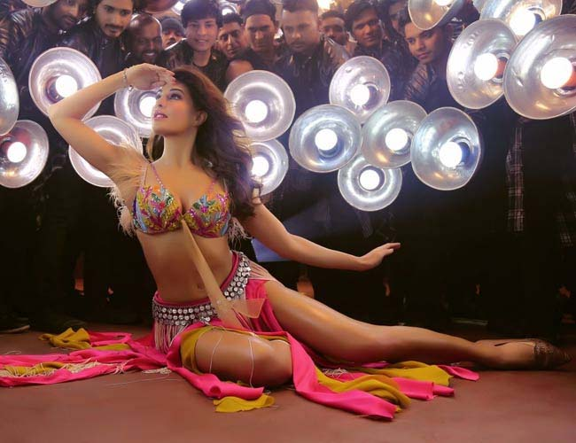 Jacqueline steps into 'Mohini' Madhuri's shoes for 'Ek Do Teen' from 'Baaghi 2'