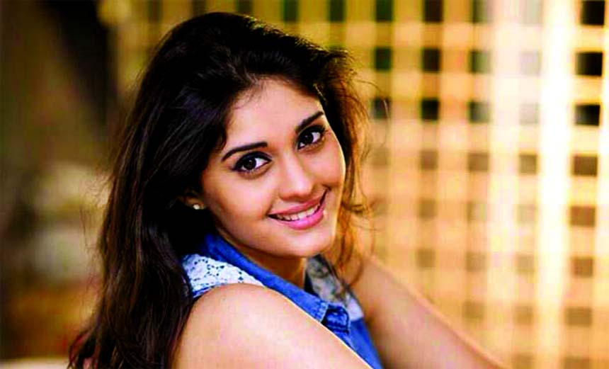 Surbhi to play heroine in `Kanithan` Telugu remake?