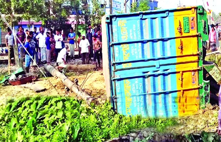 4 killed as train hits covered van in Feni