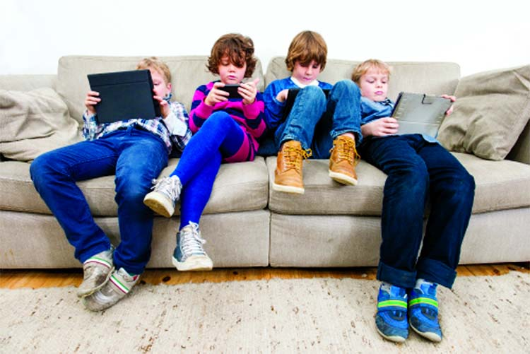 At which age should children be given access to social media sites!