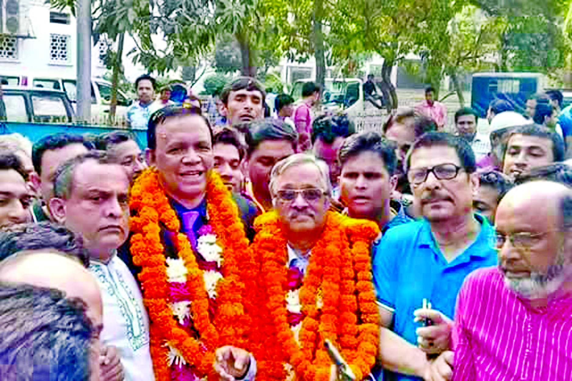 BNP-backed Blue Panel candidate Advocate Joynal Abedin and Barrister  Mahbub Uddin Khokon were re-elected President and Secretary respectively of Supreme Court Bar Association (SCBA). This picture was taken from the Supreme Court premises after the announcement of the result on Friday.
