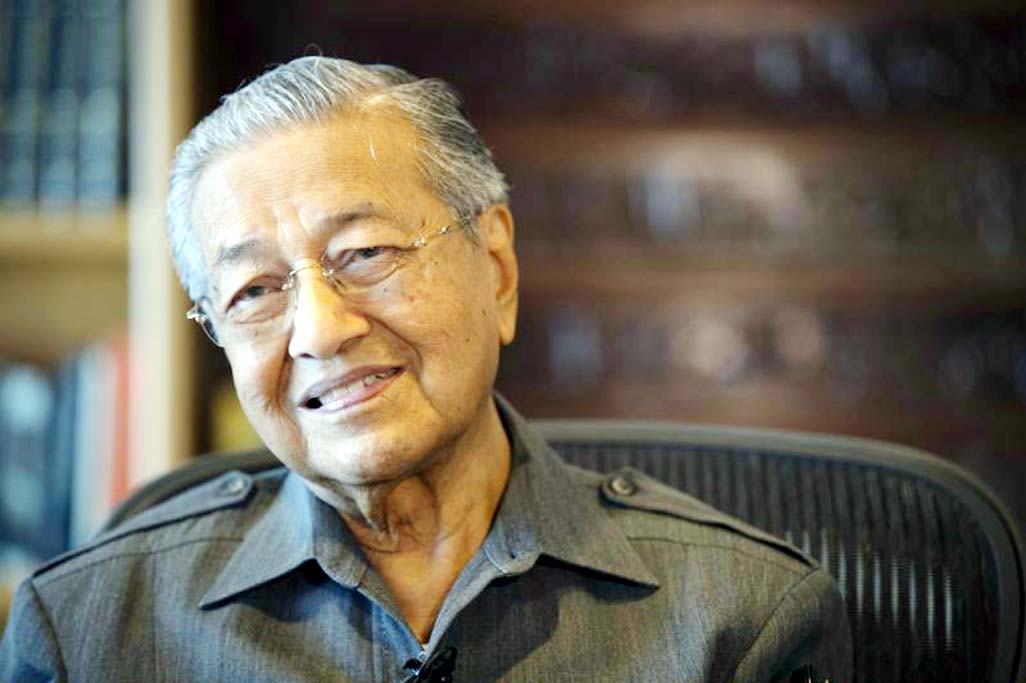 Mahathir sees 50-50 chance of opposition win