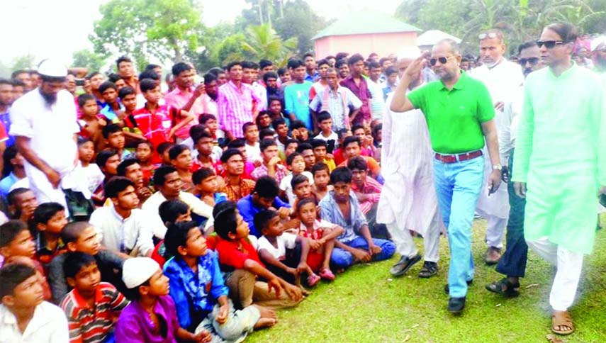 MYMENSINGH: Kamrul Islam Md Walid, Chairman, Mymensingh Sadar Upazila Parishad  attended the final  Rope Knot Match held at the Ambikaganj College Ground around Baishakhi Festival on Monday. Approximately 10 thousand sportspeople enjoy the match.