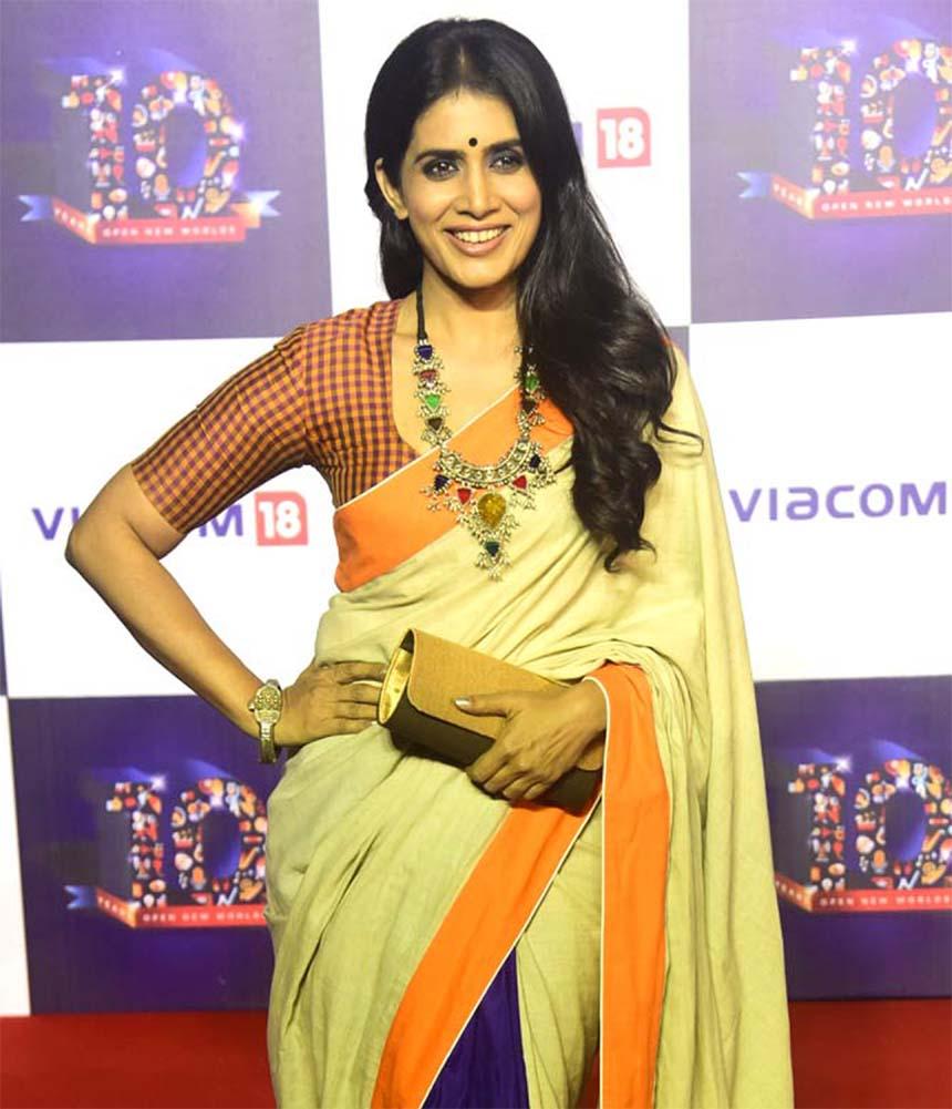 Sonali Kulkarni returns to Hindi cinema as a lead alongside Naseeruddin Shah