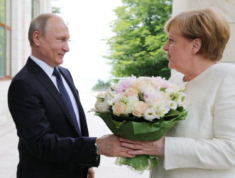 Putin, Merkel defend Nord Stream pipeline