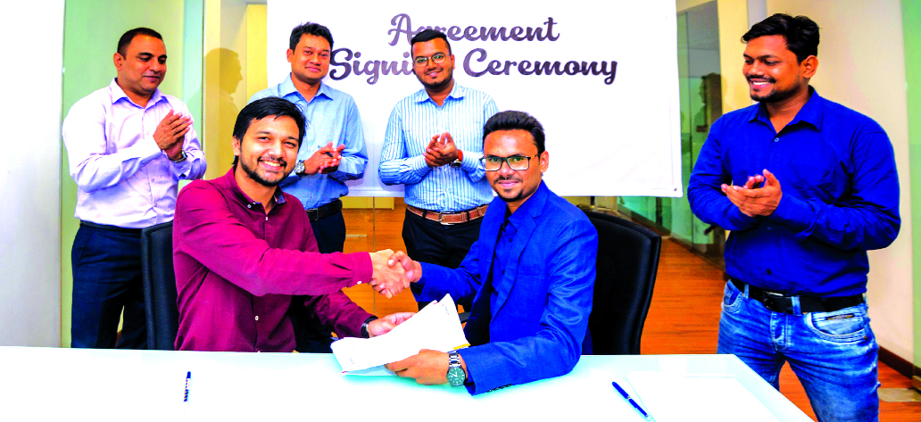 Rezoan Haider, Managing Director of Asian Motorbike Ltd, a distributor of Japanese brand Kawasaki Motorcycle in Bangladesh and Khwaja Azmal Hossain Shakil, Head of Business Development, sign an agreement in the city recently. Under the deal, all marketing promotion of Kawasaki motorcycle will be done by Business Brains.