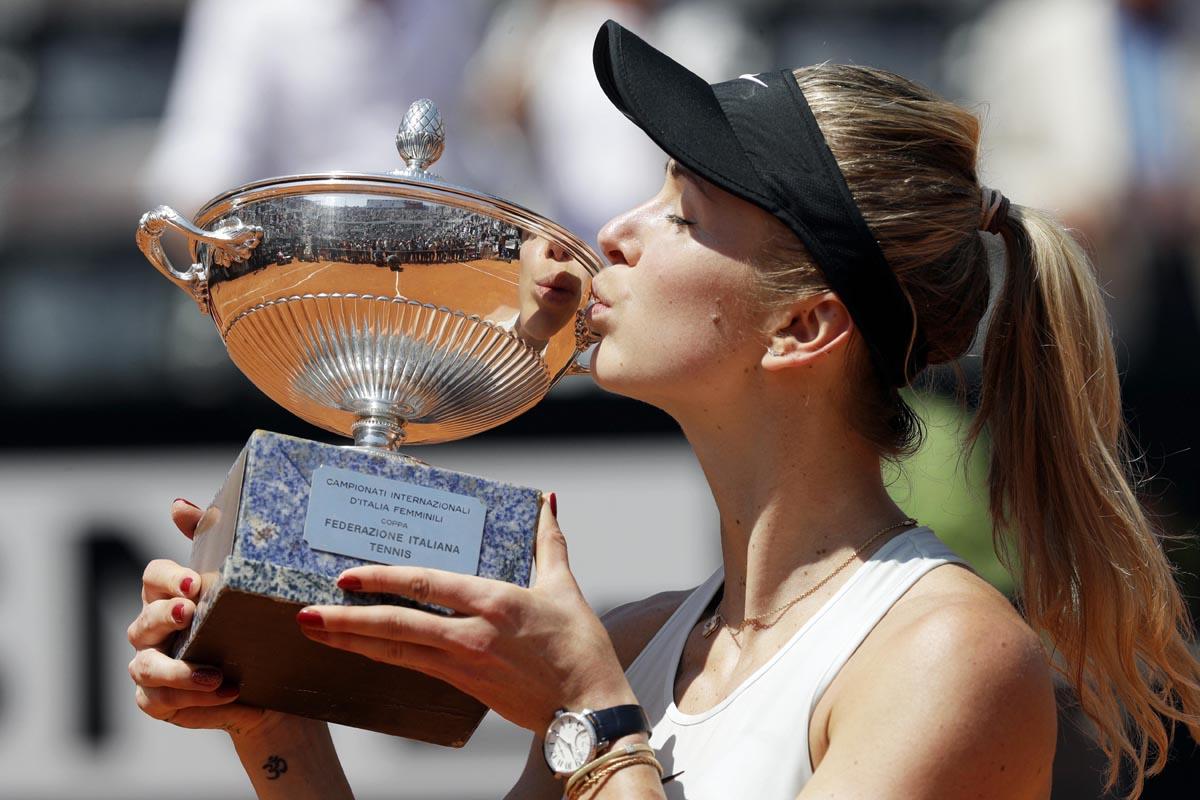 Elina Svitolina retains Italian Open with straight-sets win over Simona Halep