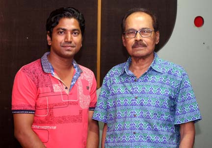 Syed Hadi renders song under Muhin's composition
