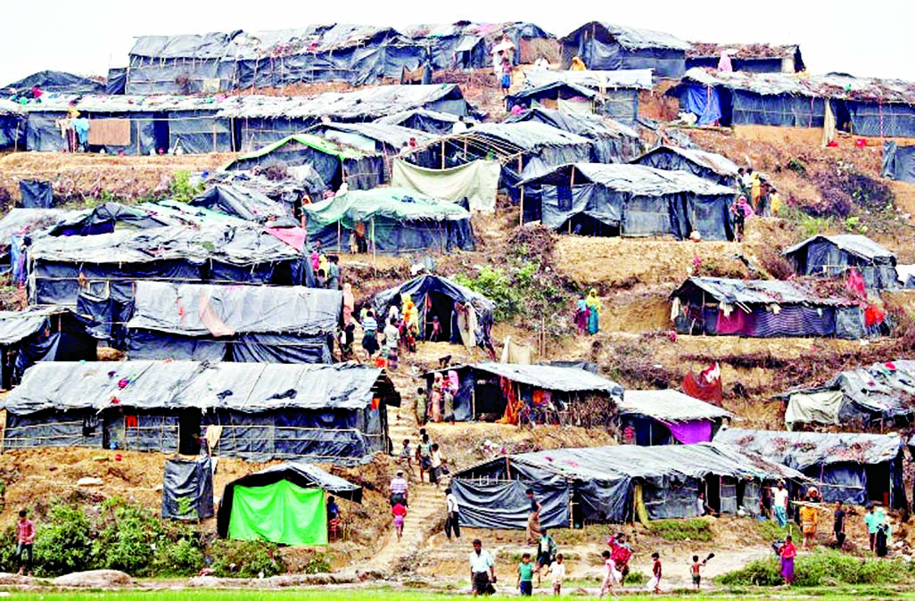Landslides threaten camps of Rohingyas : HRW