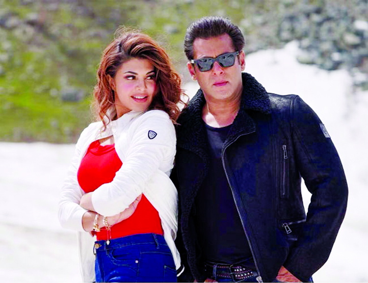 Fall In Love All Over : 'Selfish' from 'Race 3'!