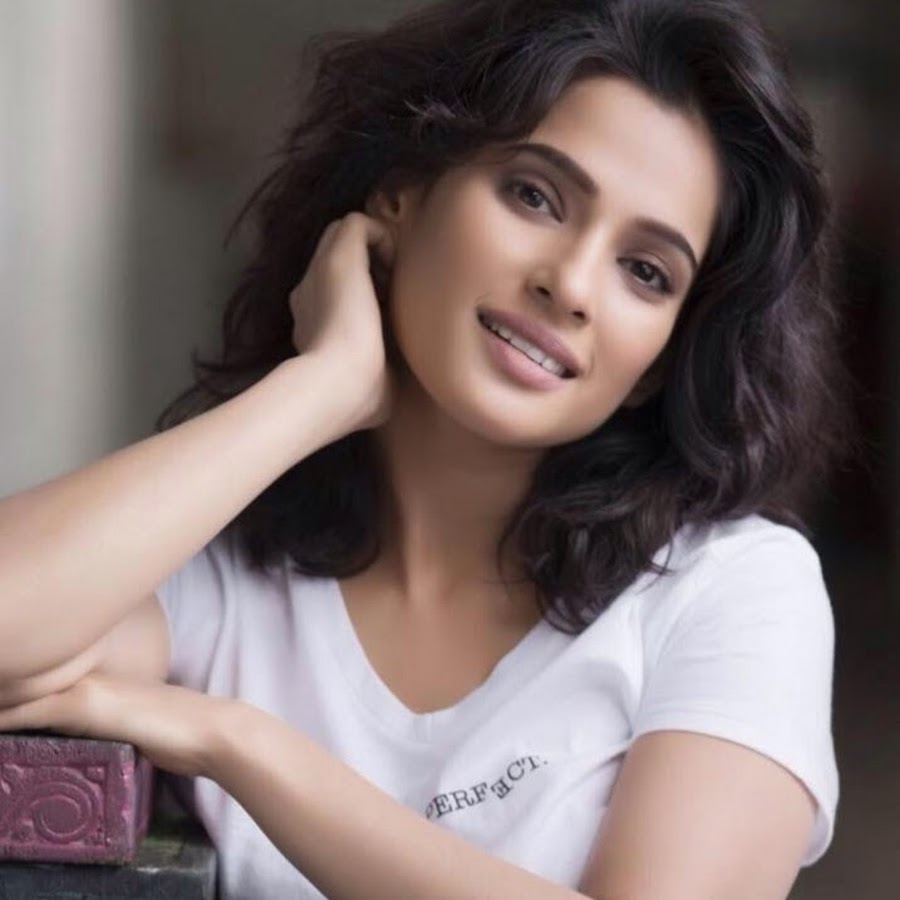 Dilip Kaka is always at the top of his energy: Priya Bapat