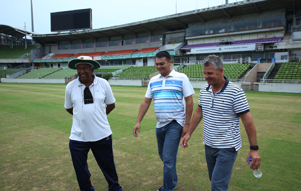 Newly appointed Head Coach of Bangladesh National Cricket team Steve Rhodes (right) visits Sher-e-Bangla National Cricket Stadium in the city's Mirpur on Tuesday.