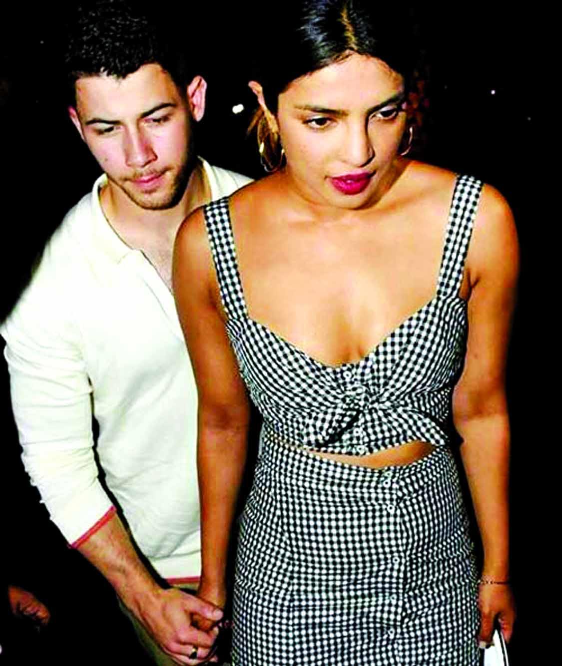 Priyanka, Nick Jonas' 'dinner date' in Mumbai