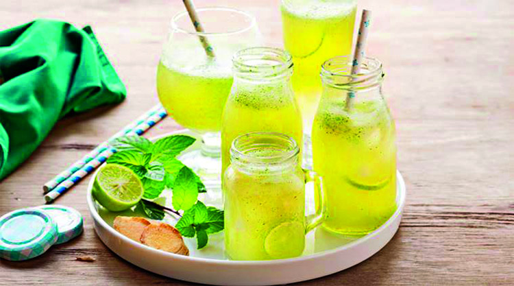 Want to beat the heat this summer? Refresh and replenish your body with these recipes  of cool beverages. Here are a few summer drinks that you should try this season  with friends and family