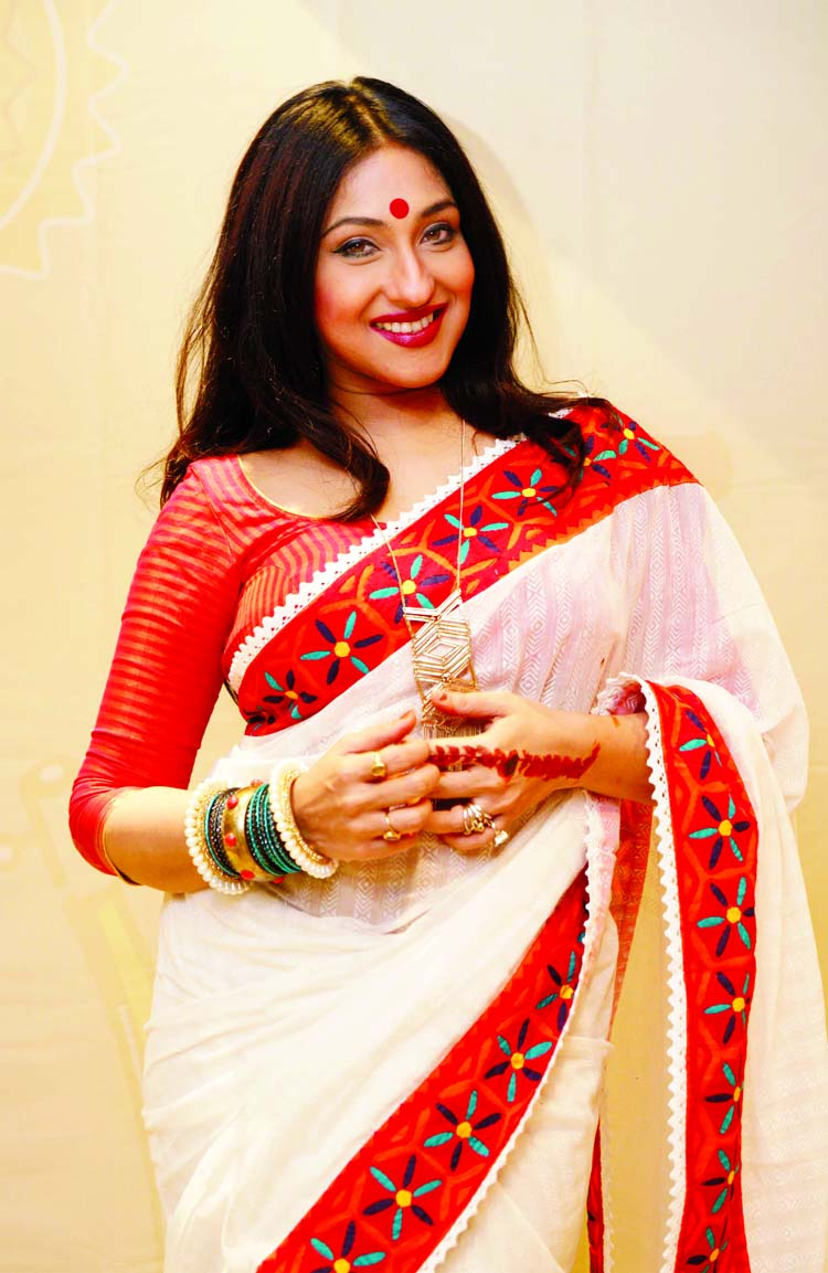 Rituparna arrives Dhaka tomorrow for movie Jam