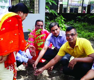 MANIKGANJ:  Md Jubair, UNO, Singair Upazila inaugurating  plantation programme  as Chief Guest recently. Among others,  Md Altaf Hossain, Chairman,  Green Club and  Syeda Nurgis Akther, Upazila Education Officer were present in the programme.
