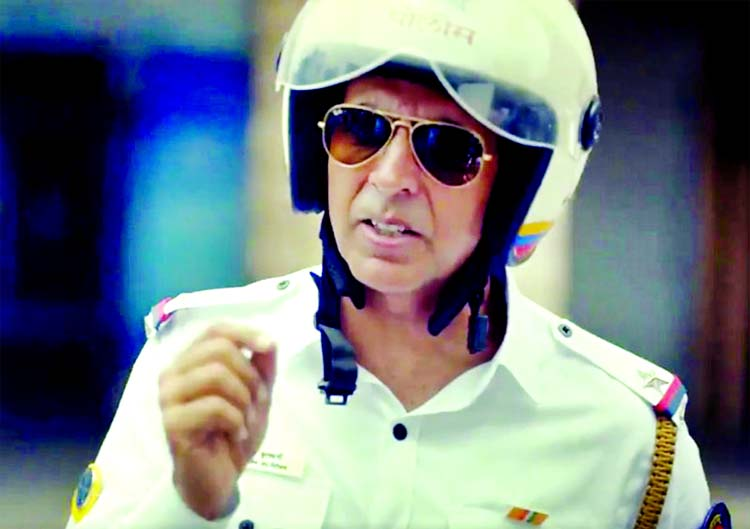 Akshay Kumar turns traffic cop to promote road safety