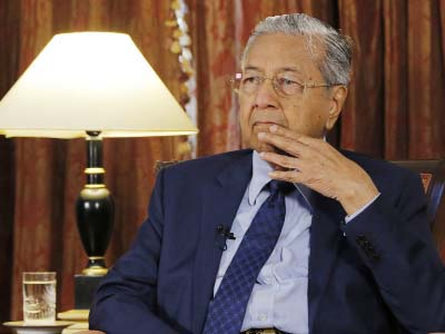 Malaysian PM aims to push for close ties with China