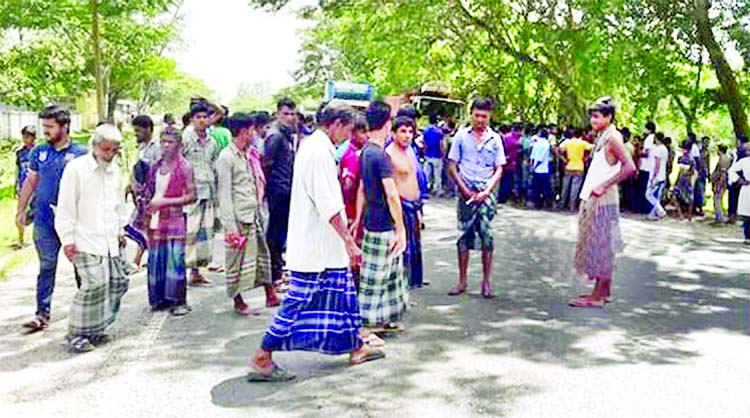 Dhaka-Sylhet highway blocked over girl's death in road crash