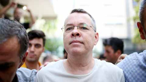 US threatens more action against Turkey unless pastor freed