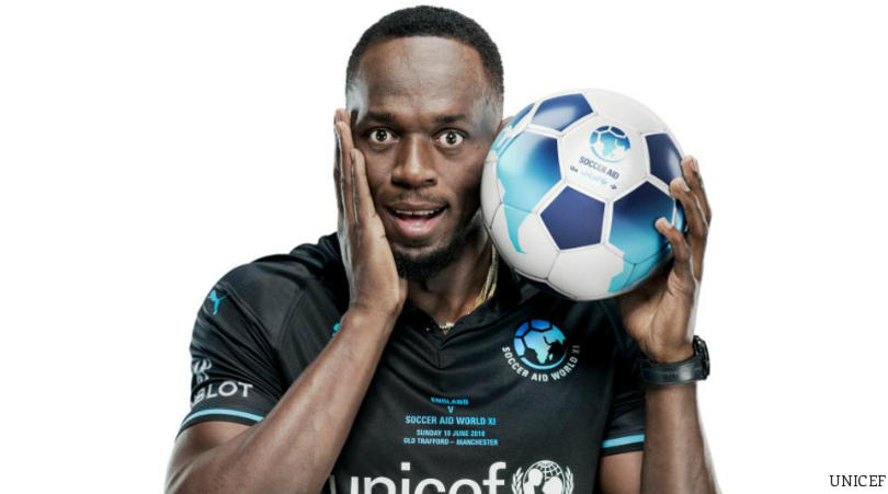 Bolt arrives in Australia on football quest