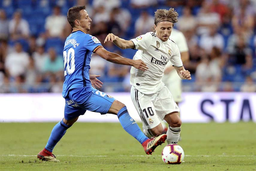 Real Madrid win Spanish League opener without Ronaldo