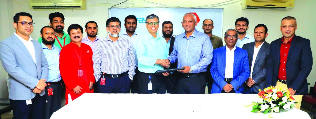 Robi, iPay signs strategic deal