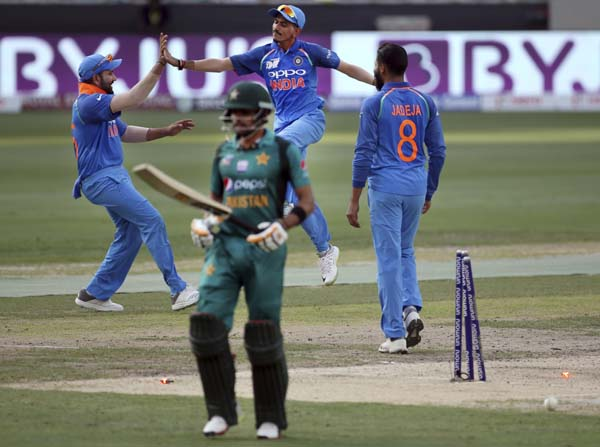 India thrashes Pakistan by 9 wickets in Asia Cup