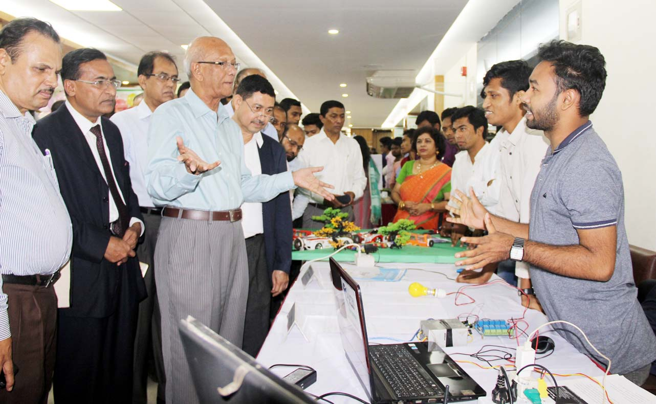 Education Minister for investing in innovations by technical students