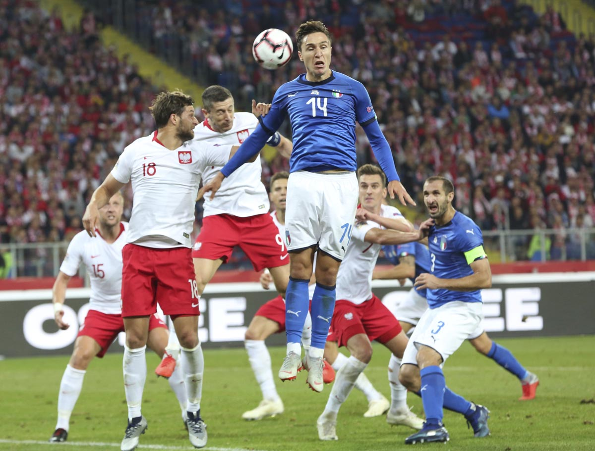 Italy leaves it late to earn 1st competitive win in a year