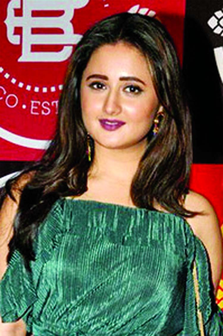 Rashami Desai denies being Bigg Boss 12 wild card entry